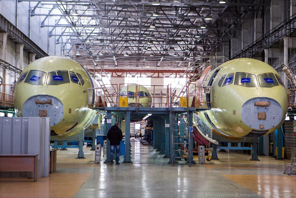 Россия хочет поставлять в Иран самолеты SSJ100
