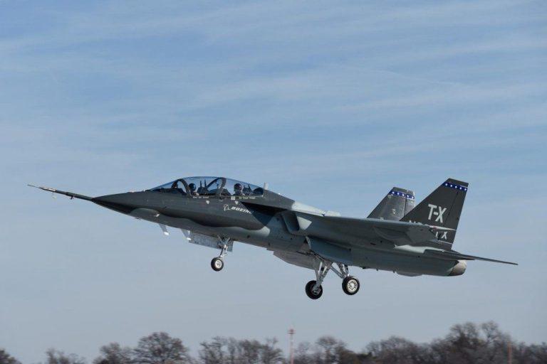 Первый полет самолета Т-Х совместной разработки Boeing и Saab