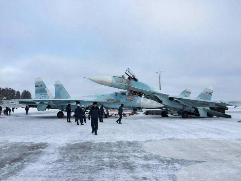 Авария двух истребителей Су-27СМ на аэродроме Хотилово