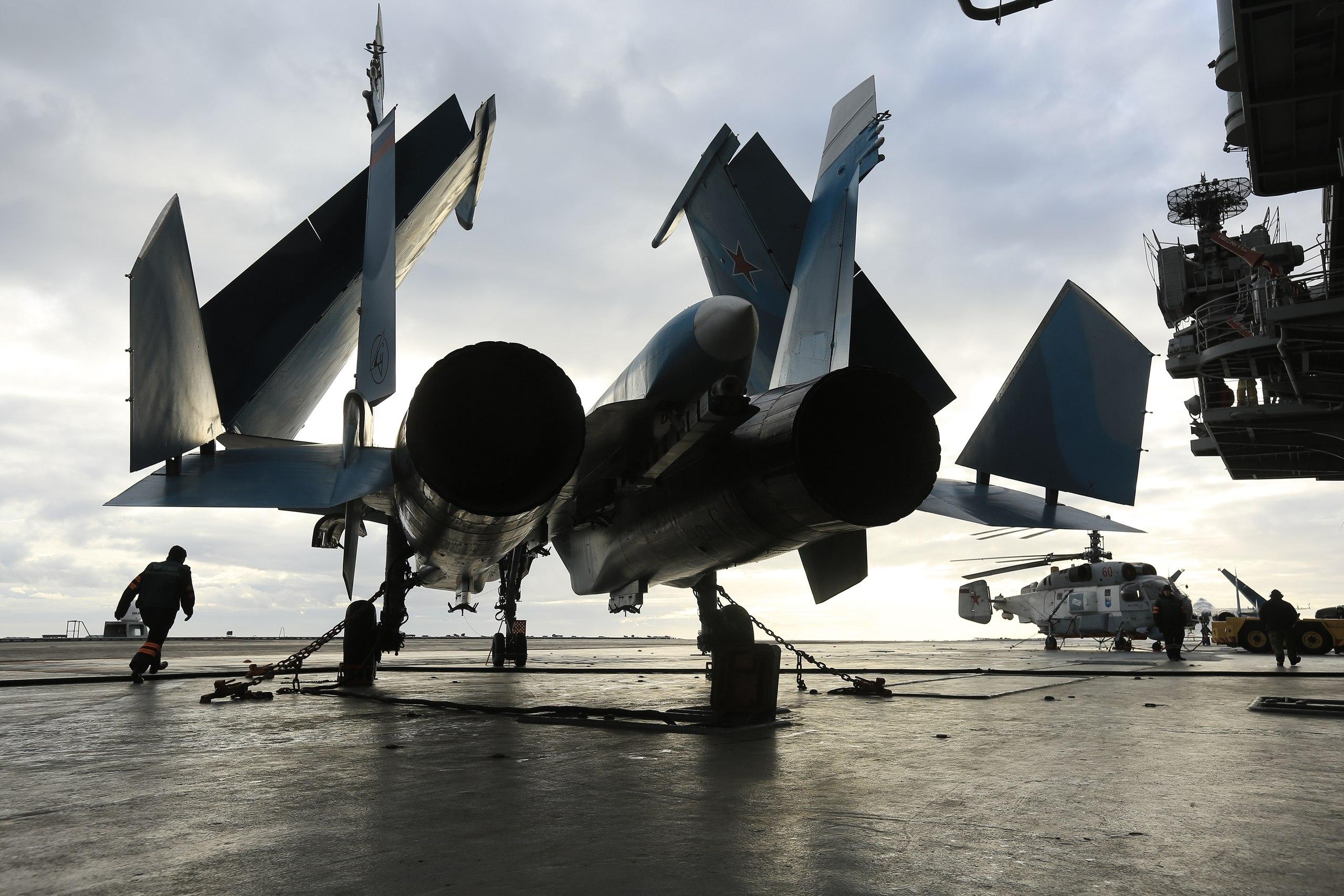"""С """"Адмирала Кузнецова"""" было совершено 154 боевых вылета палубной авиации"""