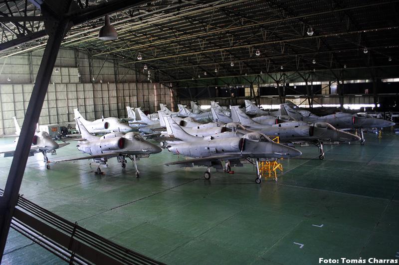 ВВС Аргентины продолжают пикирование