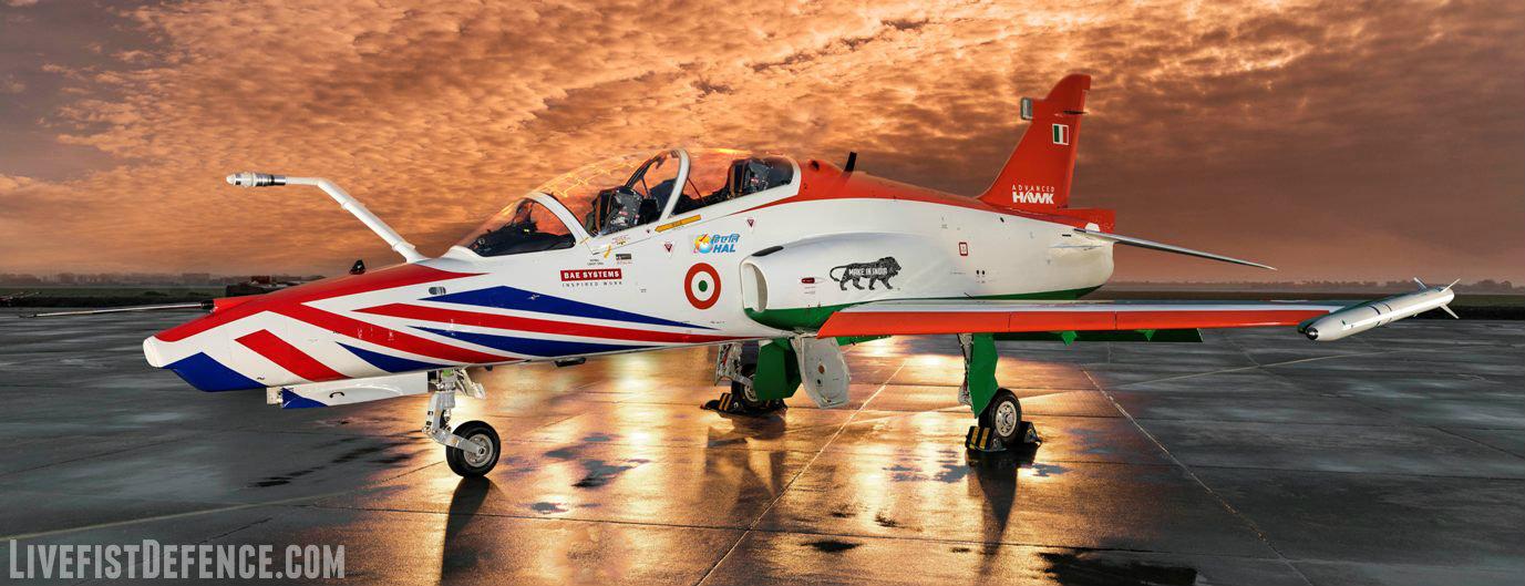Модернизированный учебно-боевой самолет Advanced Hawk