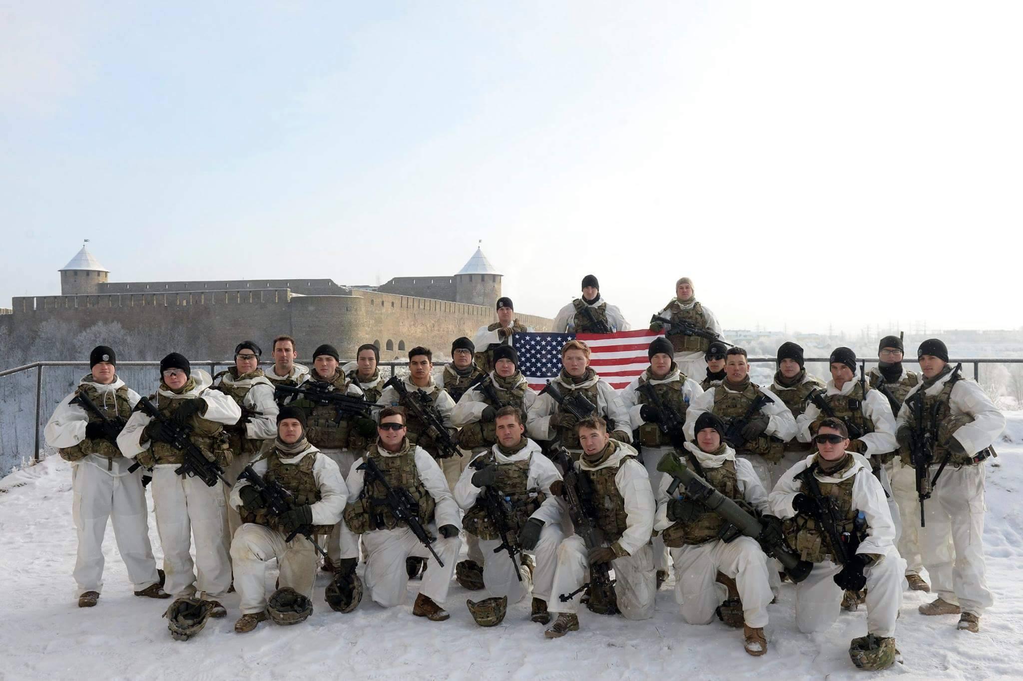 Поход американских солдат в Нарву