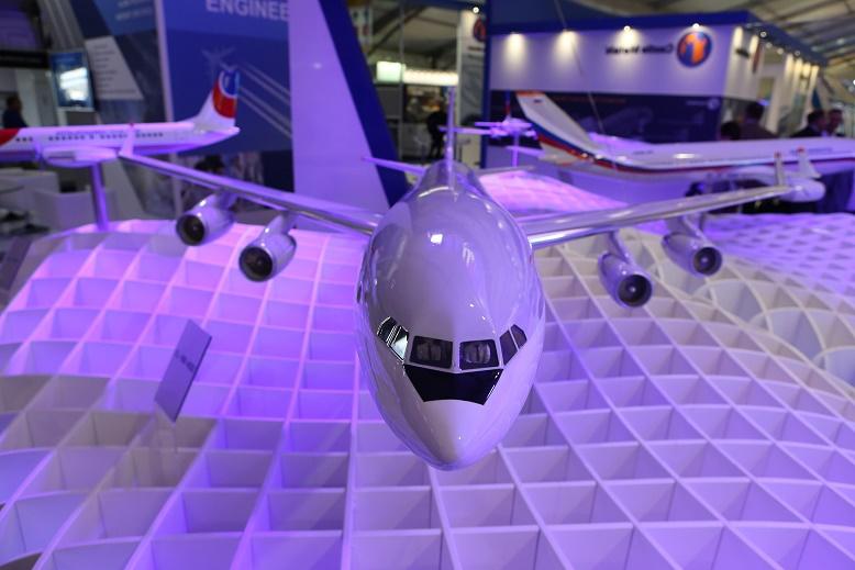 Контракт на создание модернизированного самолета Ил-96-400М