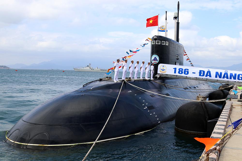 Вьетнамский флот ввел в строй две последние подводные лодки проекта 06361