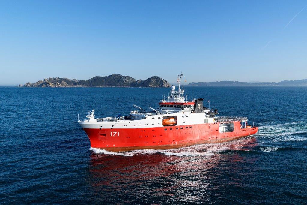 ВМС Перу получили антарктическое исследовательское судно Carrasco