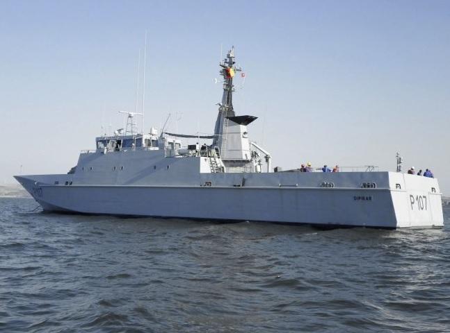 Камерун получил бывший французский патрульный корабль