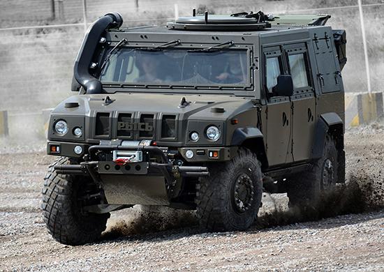 """Бронеавтомобили Iveco LMV """"Рысь"""" поступят в Воздушно-десантные войска"""