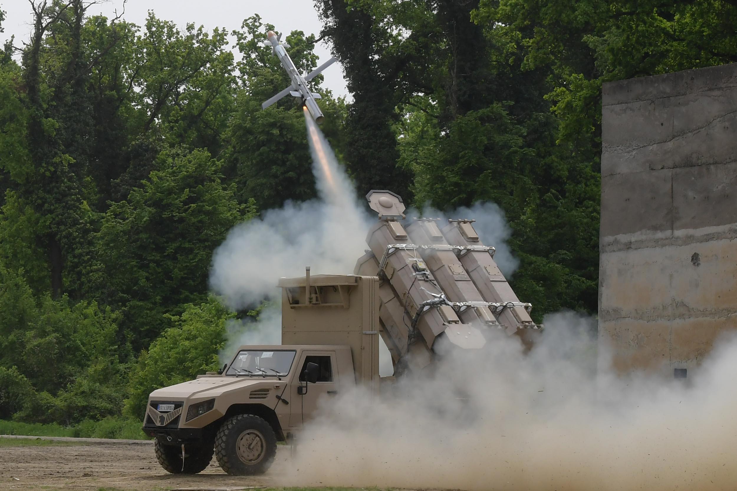 Сербский ракетный комплекс ALAS в действии