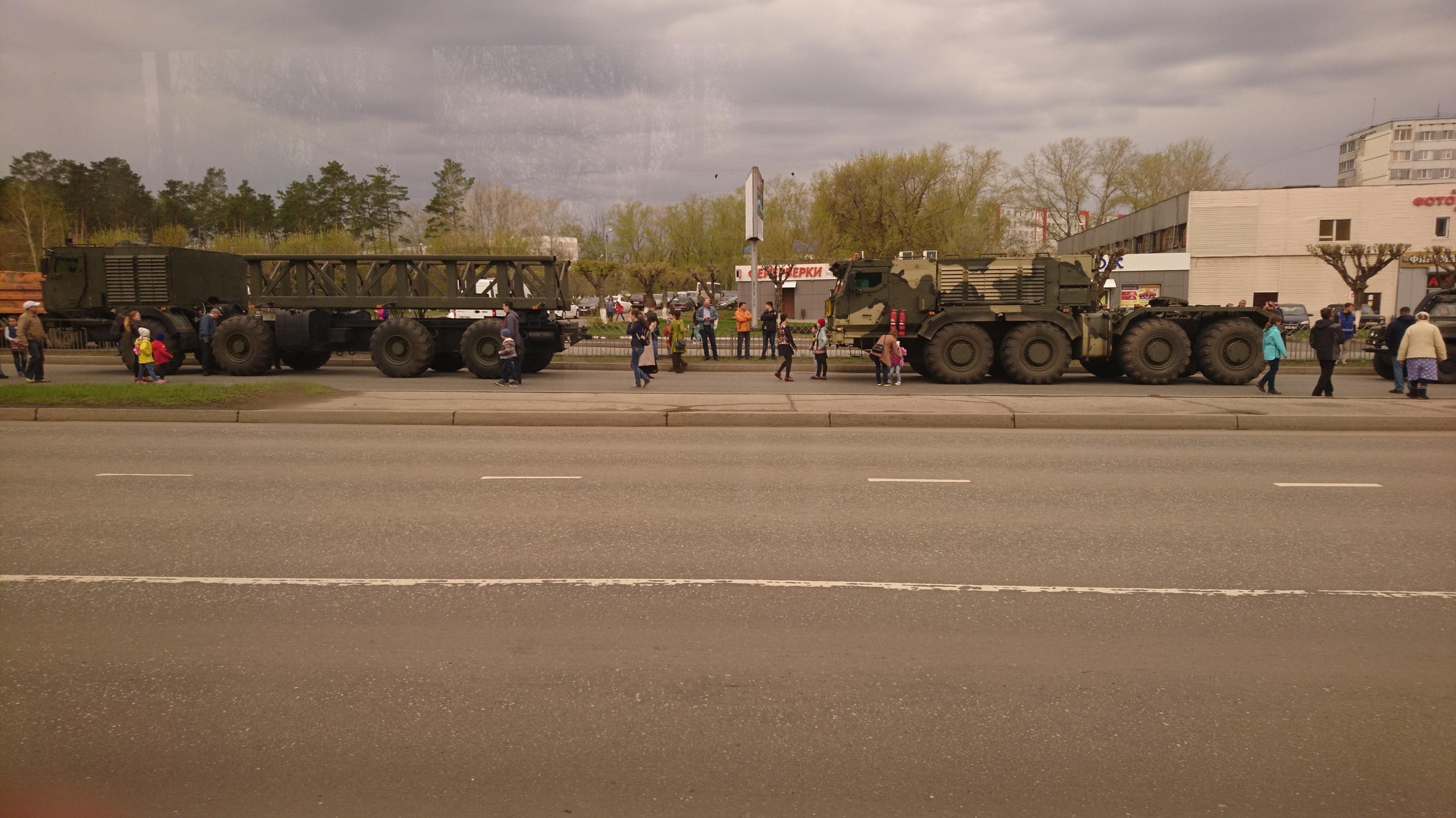The Russian Military Automotive Fleet - Page 4 4195471_original