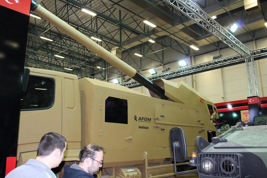 Новые турецкие 155-мм самоходные гаубицы на колесном шасси 121