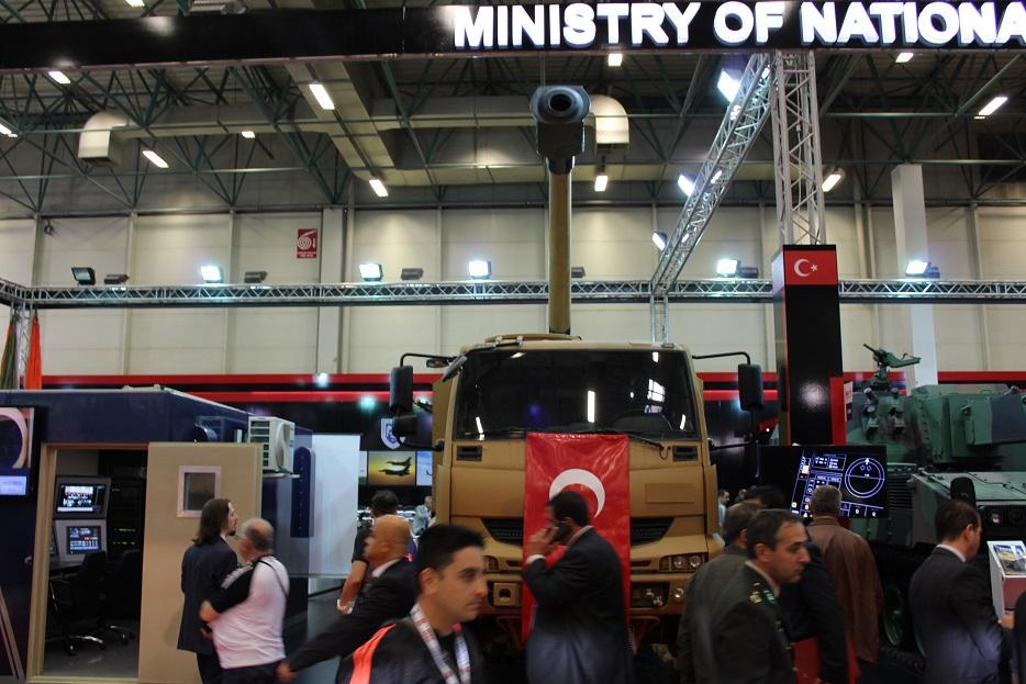 Новые турецкие 155-мм самоходные гаубицы на колесном шасси 122