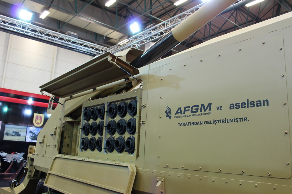 Новые турецкие 155-мм самоходные гаубицы на колесном шасси 123