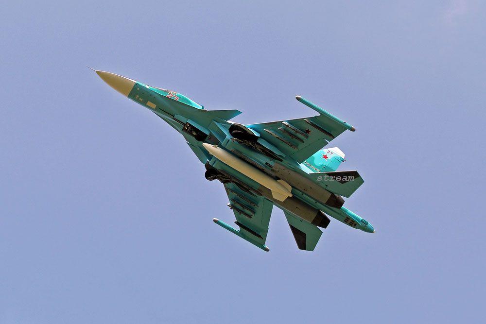 ВКС России получили первые бомбардировщики Су-34 программы 2017 года