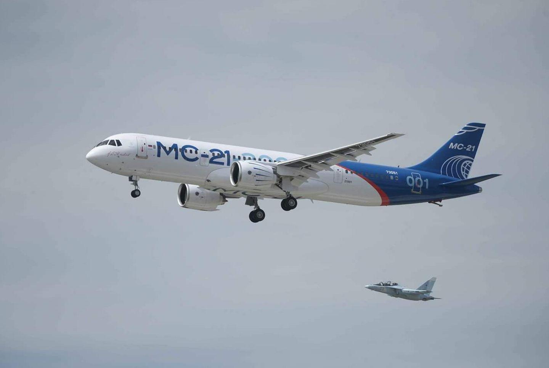 Первый полет самолета МС-21