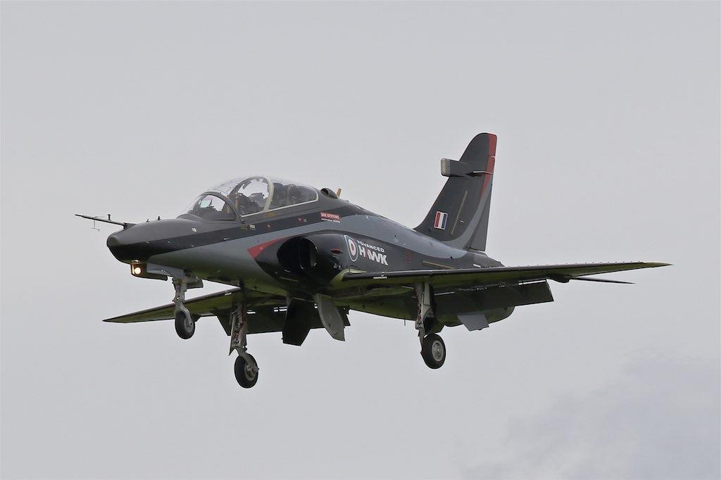 Первый полет самолета Advanced Hawk