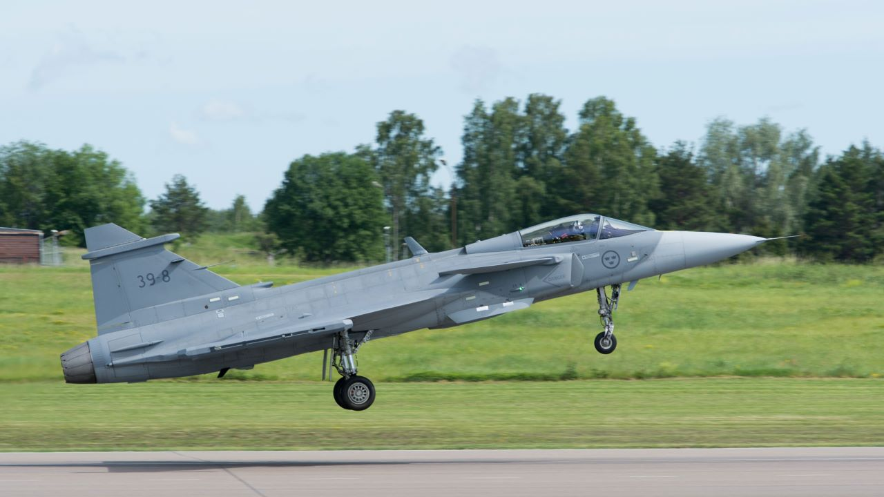 gripen-e-first-flight-2340