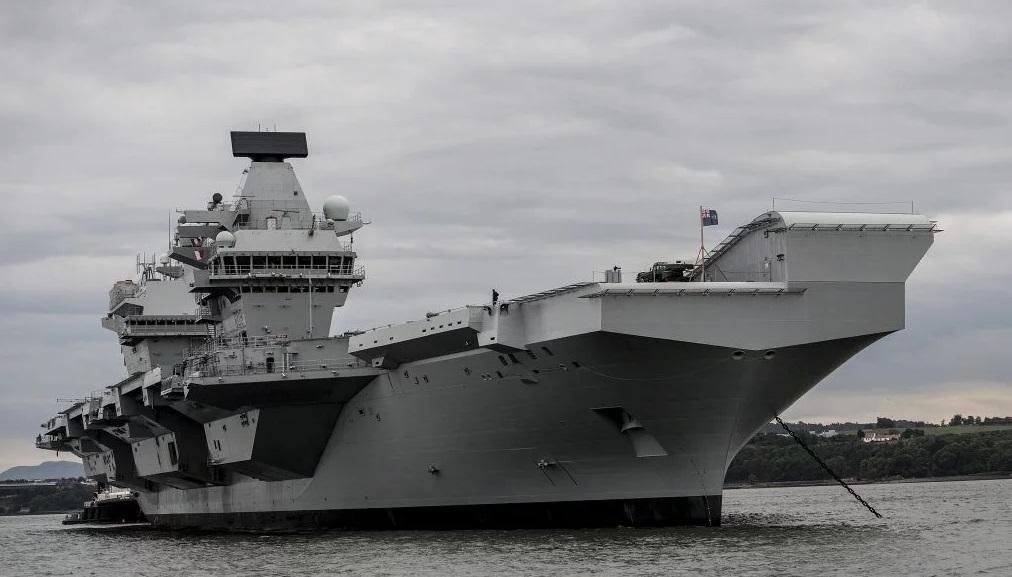Queen Elizabeth в море