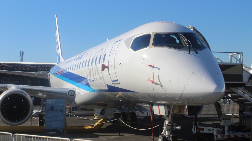 Компания Mitsubishi планирует подключить к программе испытаний самолета MRJ90 новые машины