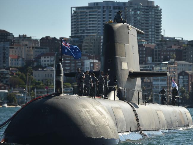 Бывший премьер-министр Австралии Тони Эббот раскритиковал государственную программу подводного флота