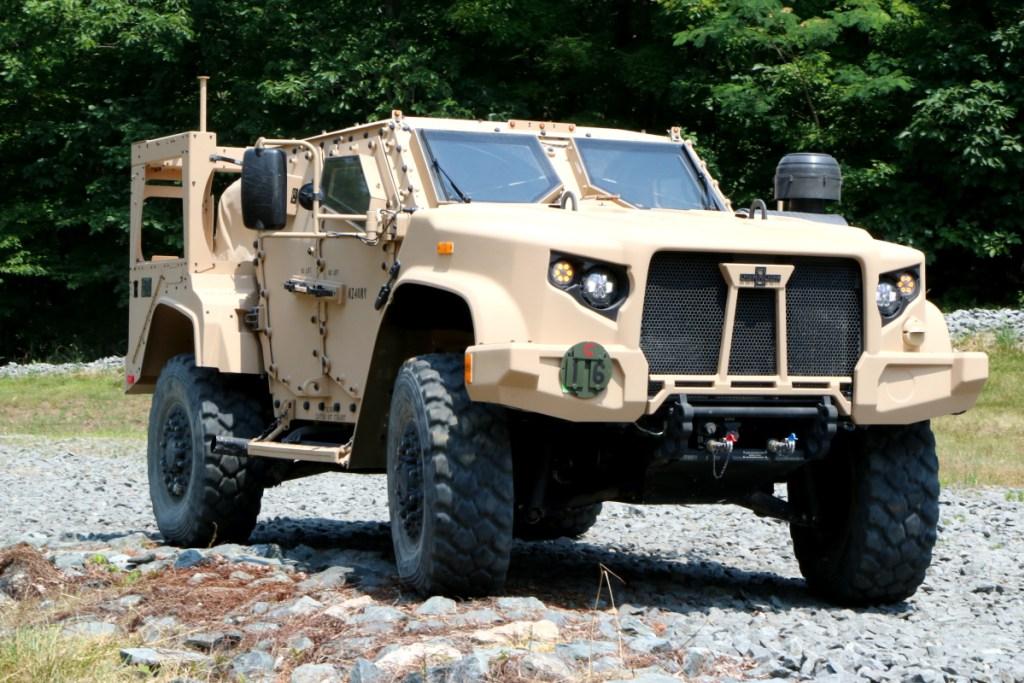 Великобритания приобретет американские легкие бронированные машины JLTV