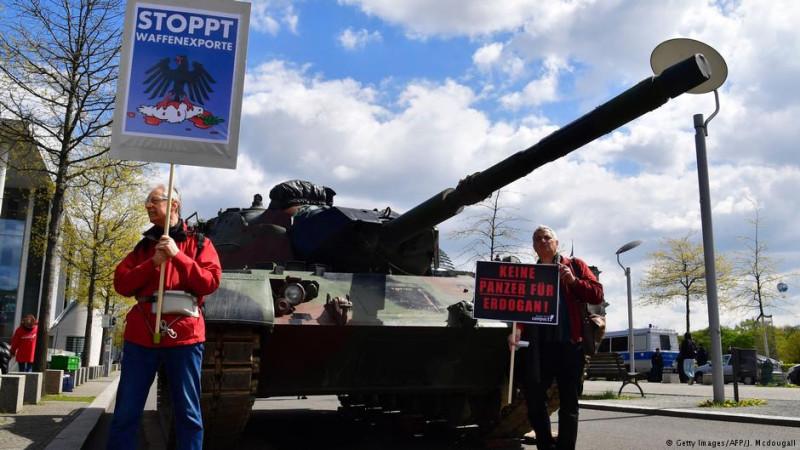 Германия рассмотрит вопрос о продолжении поставок вооружений в Турцию