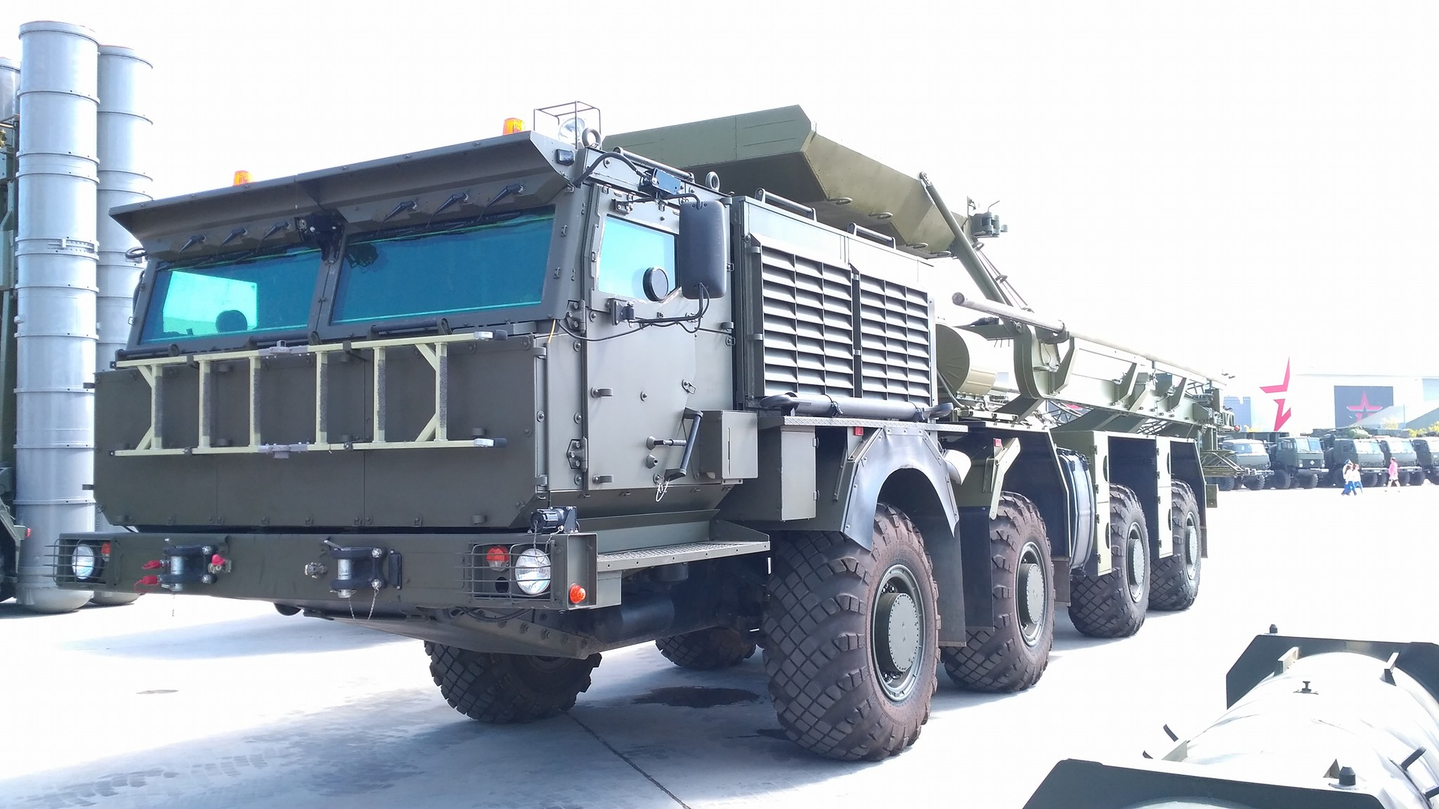 Wheel chassis K-78054 OCD & quot; Platform O, & quot; in the exposition of the forum & quot; Army-2017 & quot;
