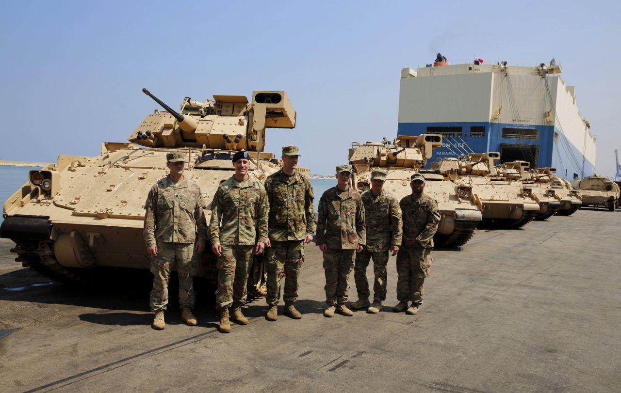 США передали ливанской армии восемь боевых машин пехоты М2А2 Bradley