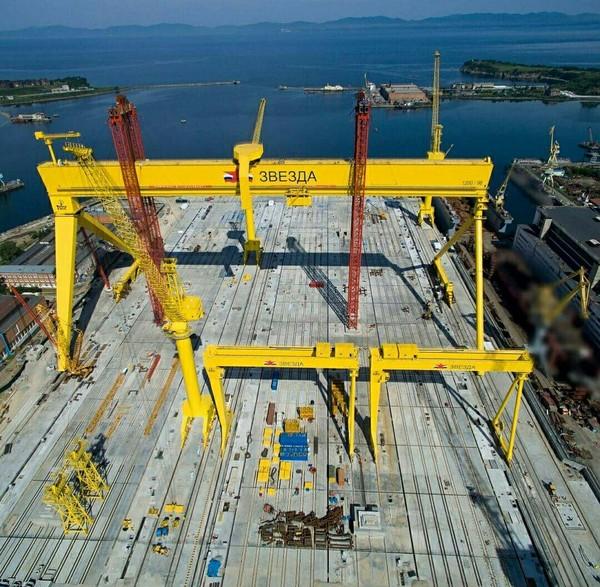 Дмитрий Рогозин проинспектировал постройку судостроительного комплекса «Звезда» в Большом Камне
