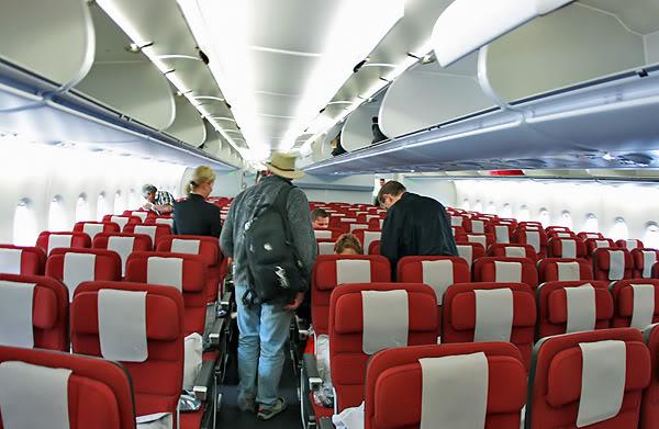 Авиакомпания Qantas планирует провести перепланировку пассажирских салонов самолетов Airbus A380