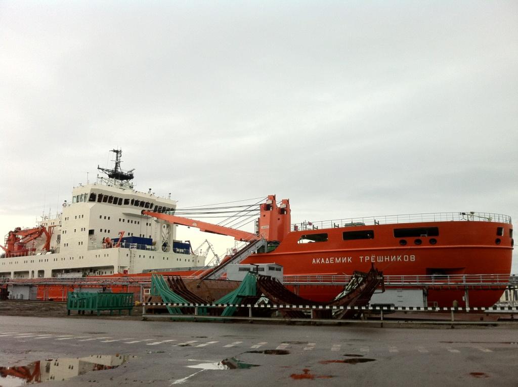 Сложности со снабжением российских антарктических станций и баз
