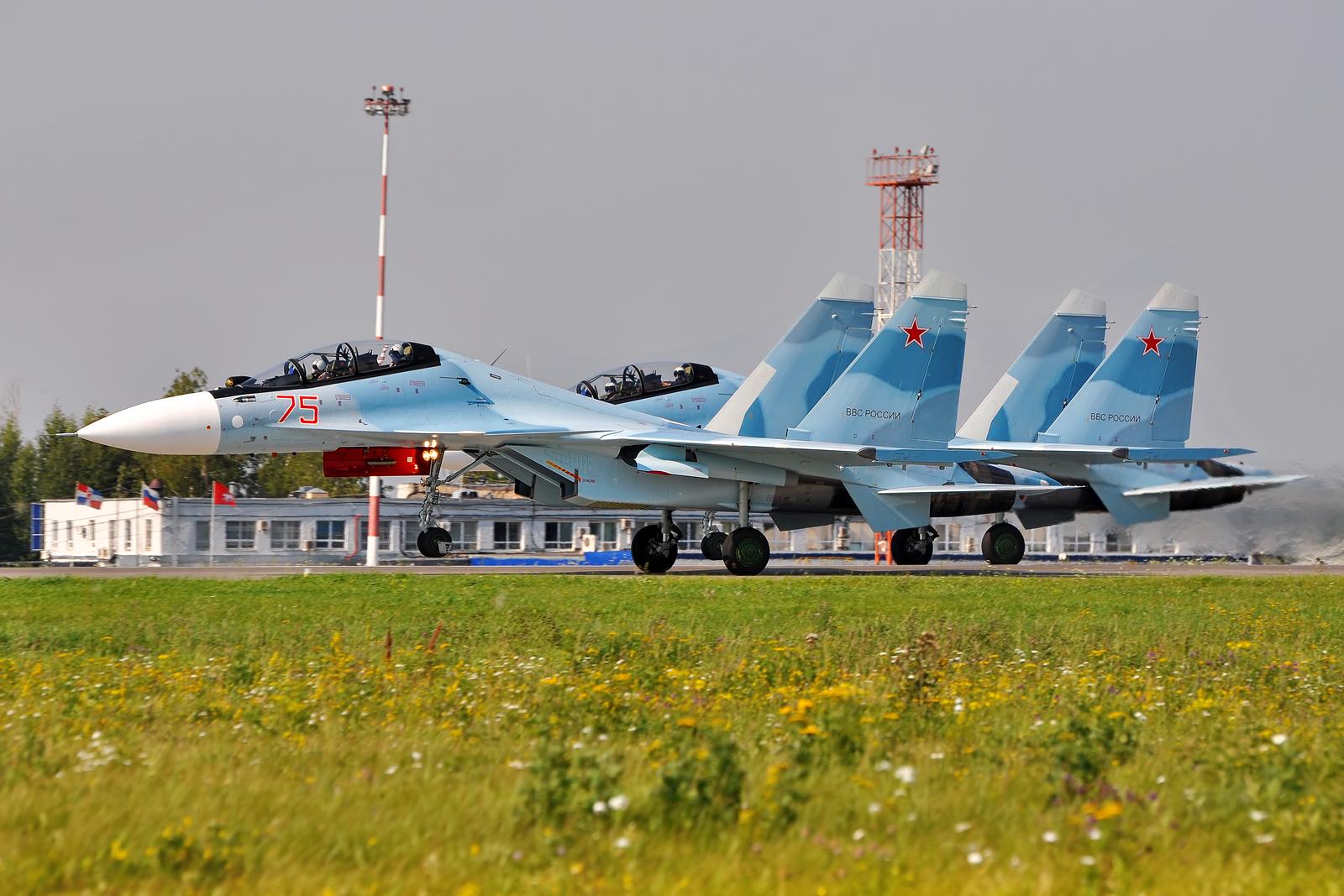 14-го гвардейский истребительный авиационный полк получил еще два истребителя Су-30СМ