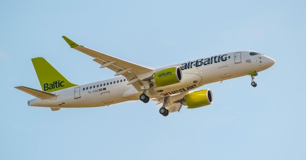 airbaltic-cs300-bombardier-ylcsg-49131893