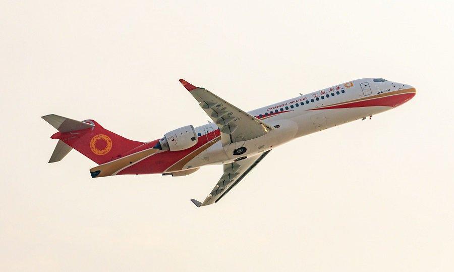 Поставлен первый построенный за три года самолет ARJ21