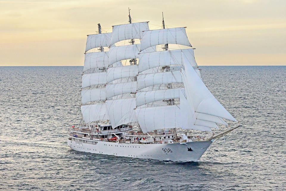 algerian-sail