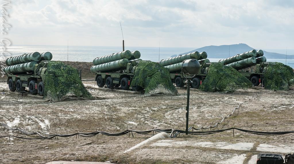 Министерство обороны получило третий в 2017 году полковой комплект зенитной ракетной системы С-400