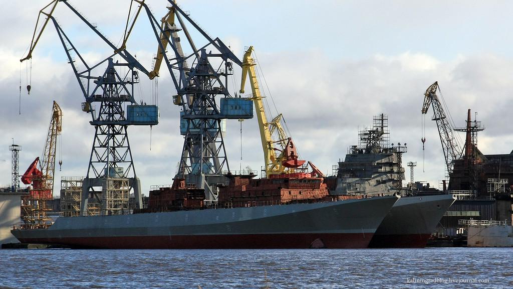 """Спущены на воду корпуса фрегатов """"Адмирал Истомин"""" и """"Адмирал Корнилов"""""""