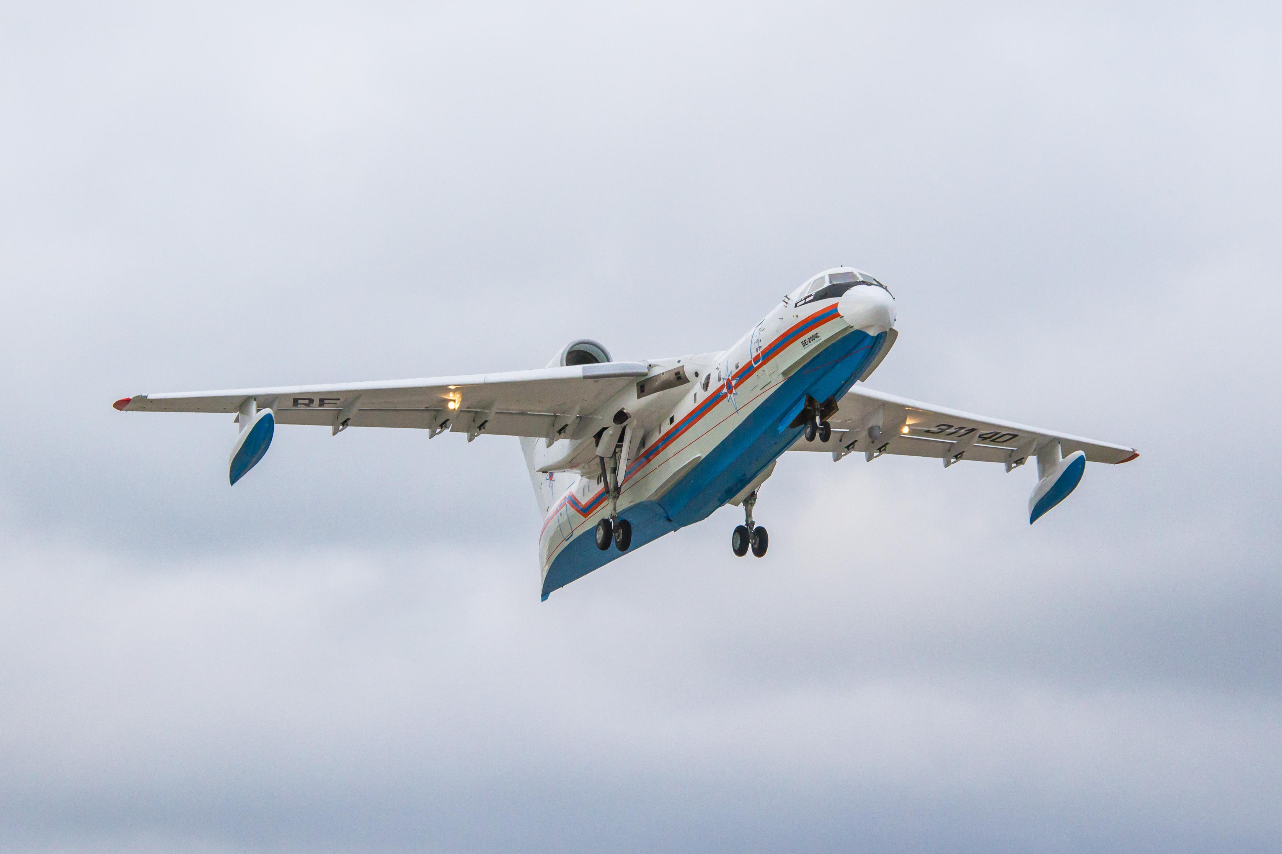 Совершил первый полет третий Бе-200ЧС таганрогской сборки