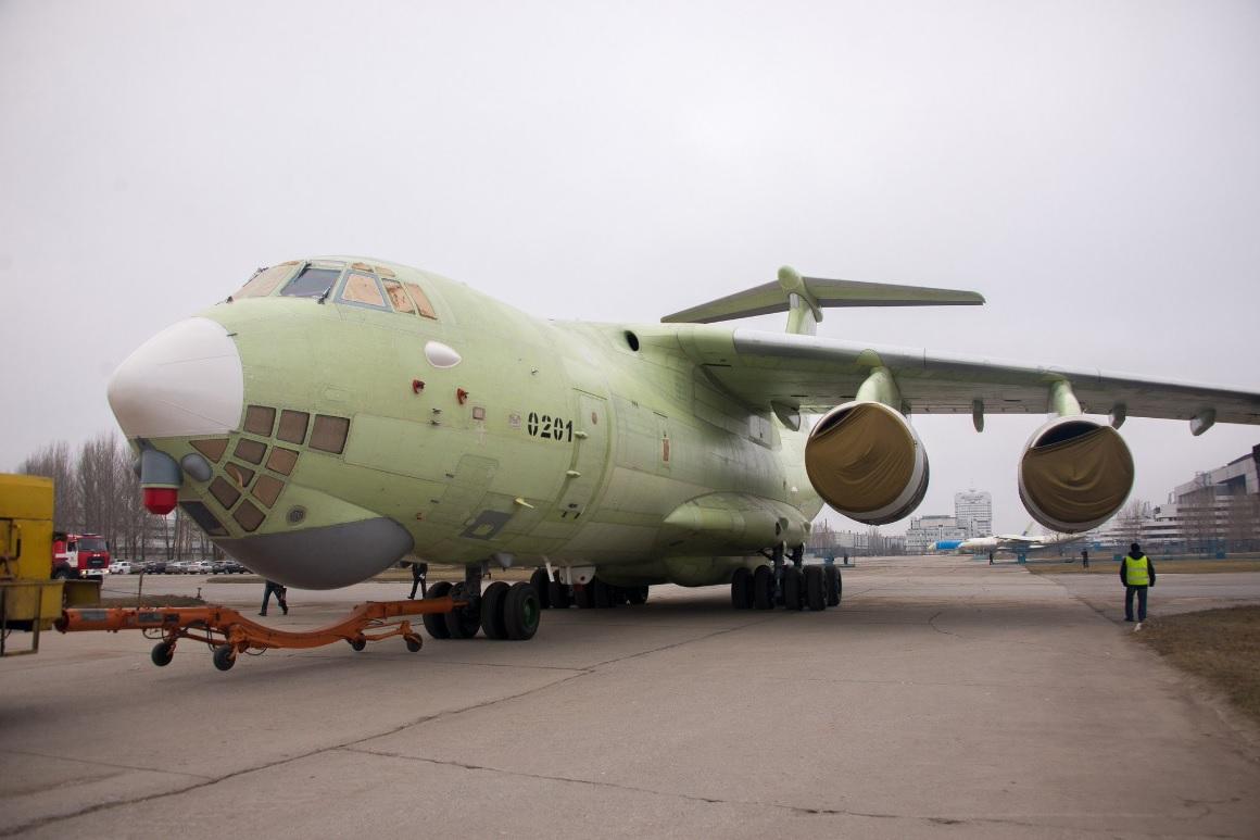 В Ульяновске выкачен первый самолет-заправщик Ил-78М-90А