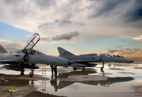 Компания Draken International приобрела 12 бывших южноафриканских истребителей Cheetah