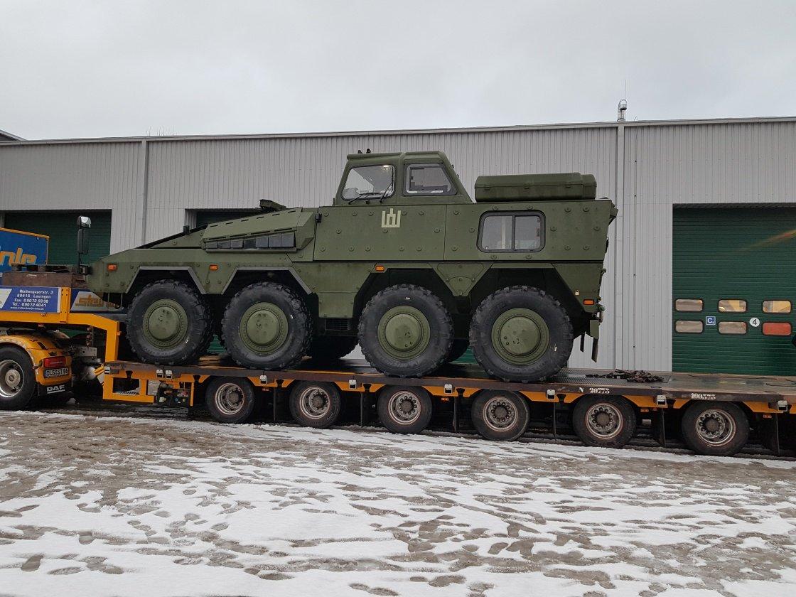 Литва получила первые два учебных бронетранспортера Boxer
