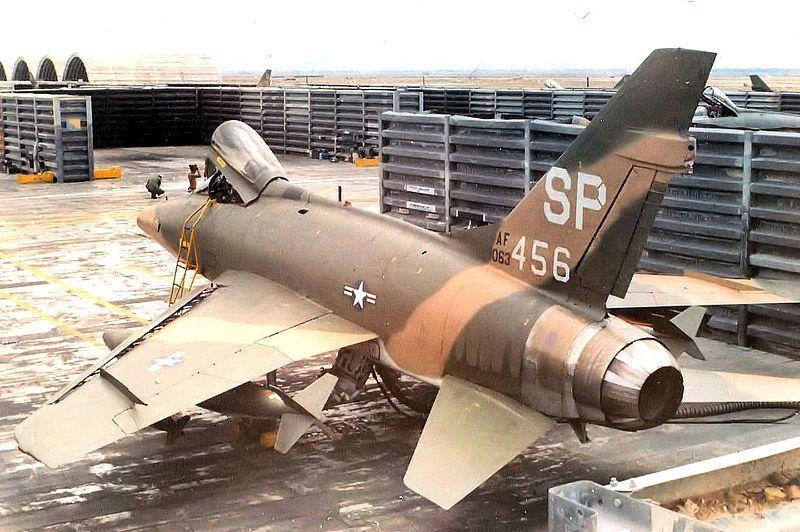 F-100-Tuy-Hoa-Air-Base-2