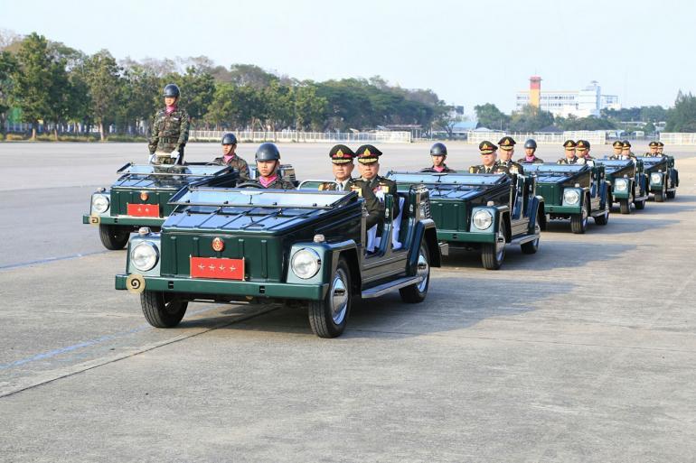Военный парад в честь Дня Королевской армии Таиланда