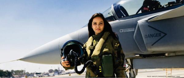 Индия намерена отказаться от проведения тендера на однодвигательные истребители и начать MMRCA-2