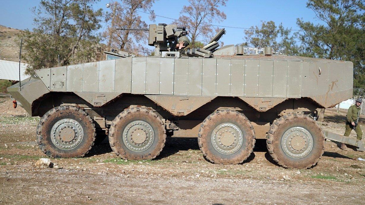 Правительство Израиля утвердило закупку бронетранспортеров Eitan и разработку новой САУ