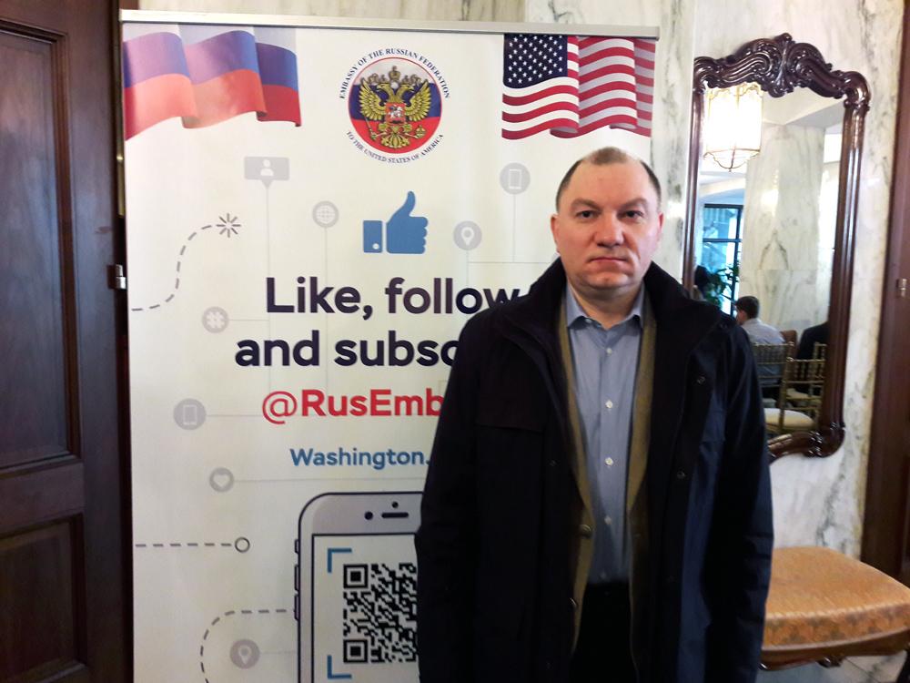 Руслан Пухов узаконивает военную агрессию США