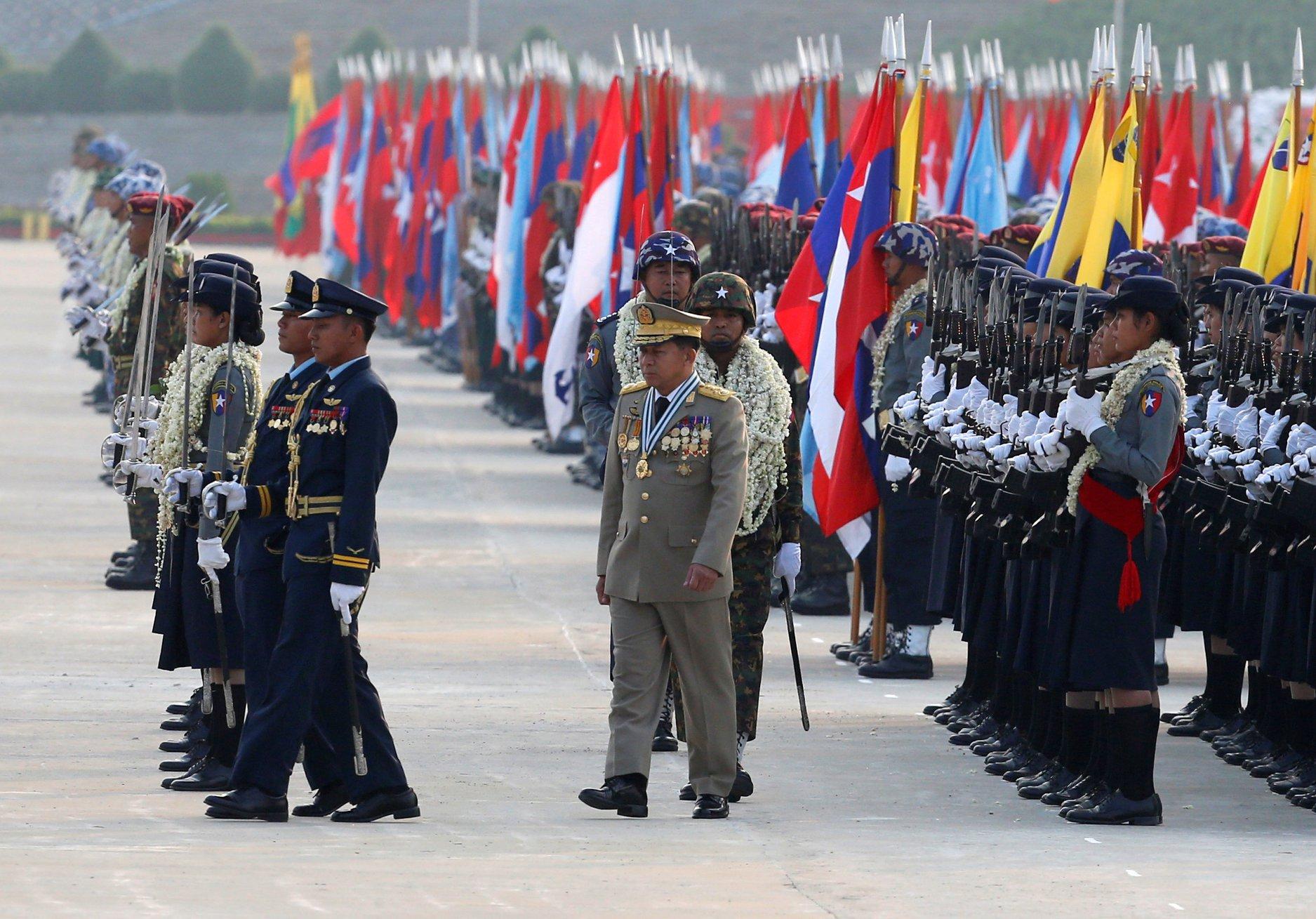 В Мьянме состоялся военный парад в честь 73-летия создания вооруженных сил