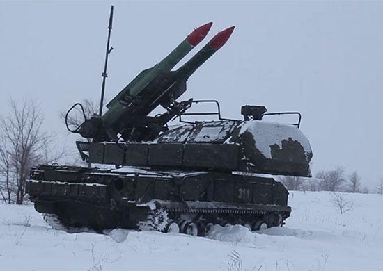 """5-я зенитная ракетная бригада оснащена зенитным ракетным комплексом """"Бук-М2"""""""