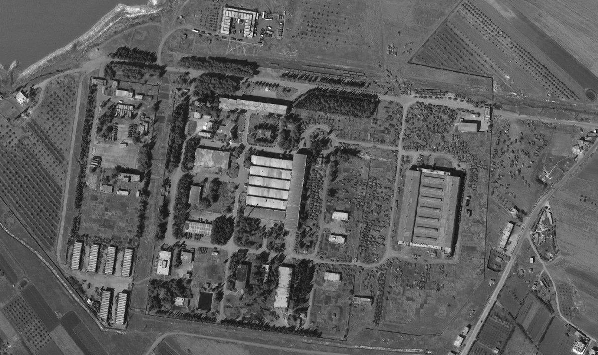 На бронетанковом ремонтном заводе в Хомсе находится более 900 боевых бронированных машин армии Сирии