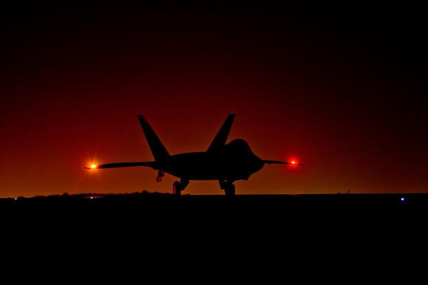 f-22-raptor-at-night-1800